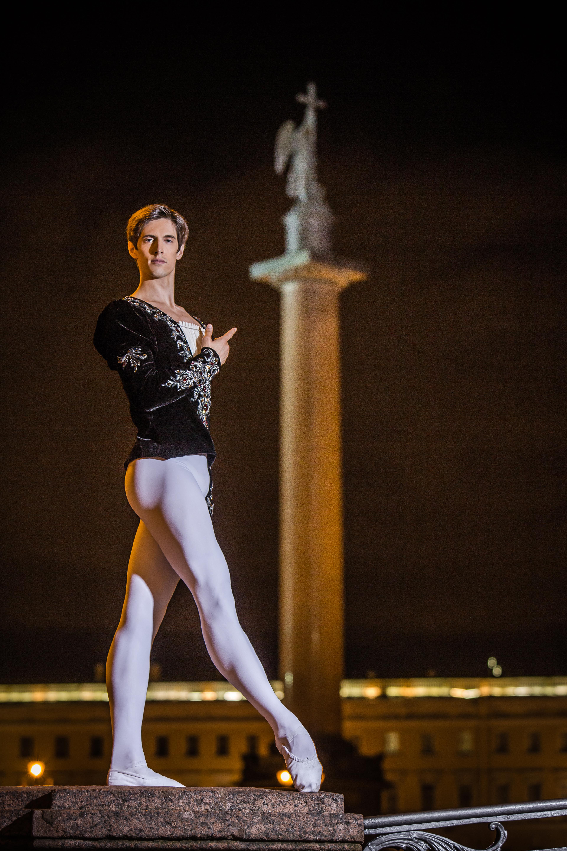 palace-square-katya-kravtsova-1